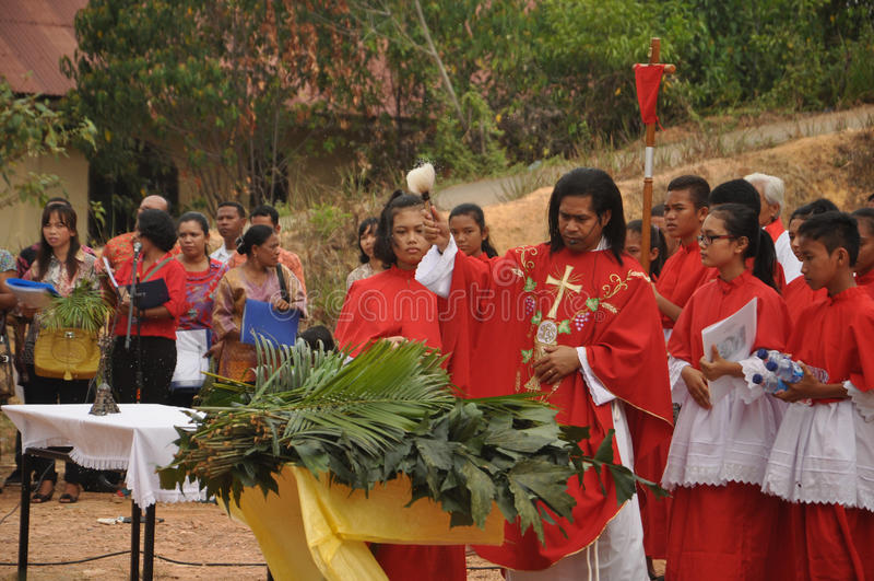 Palmsöndag i Batam, Indonesien royaltyfria bilder