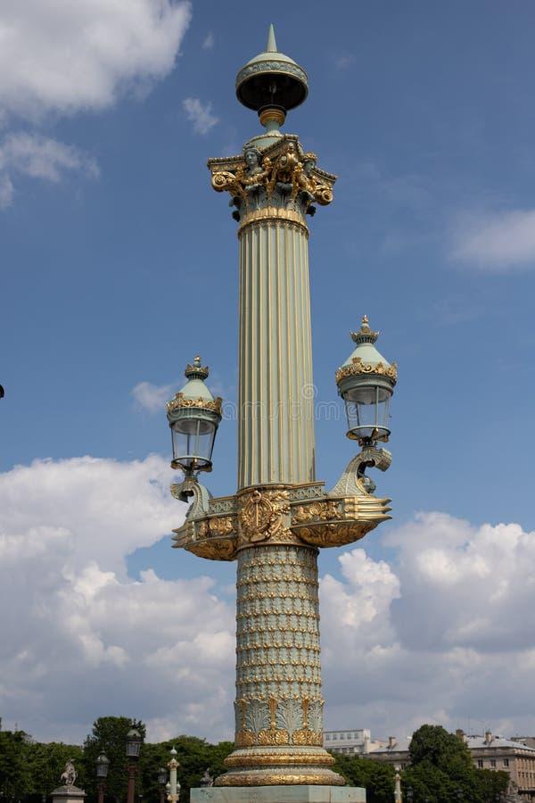Palo della luce nel piazza de la Concorde a Parigi immagine stock