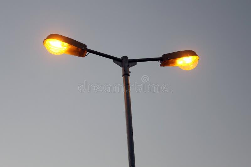 Palo di iluminazione pubblica immagini stock libere da diritti