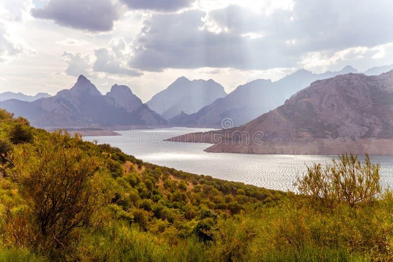 Palude fra le montagne fotografie stock libere da diritti