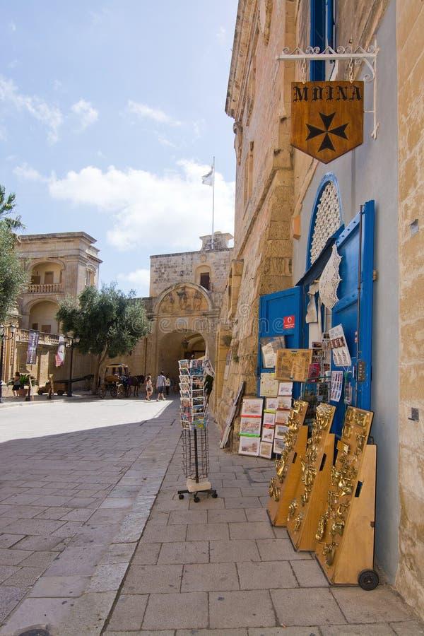Pamiątkarski sklep i maltańczyk flaga zdjęcia royalty free