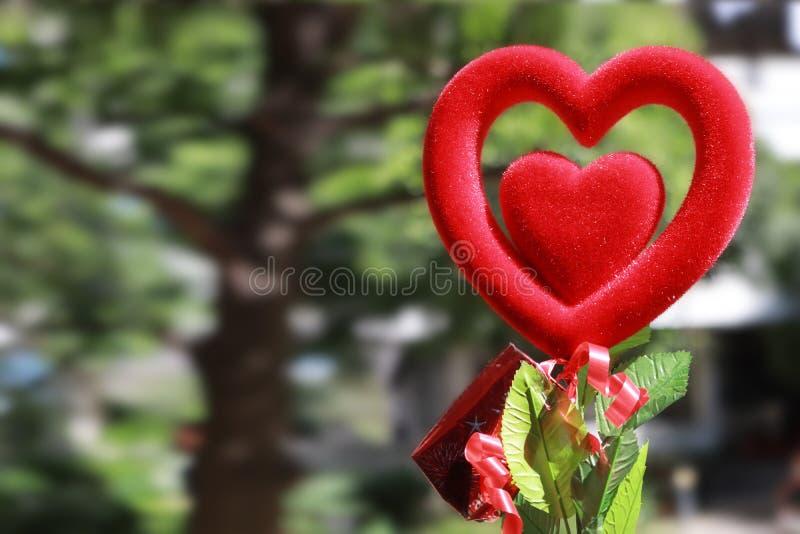 Pamiątkarskiego tkanina prezenta sercowata czerwień kłusował dwa warstwy pokazywać miłości obraz royalty free