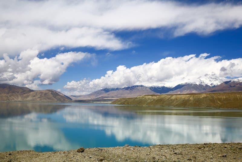Pamirs chmury i jeziora obraz royalty free