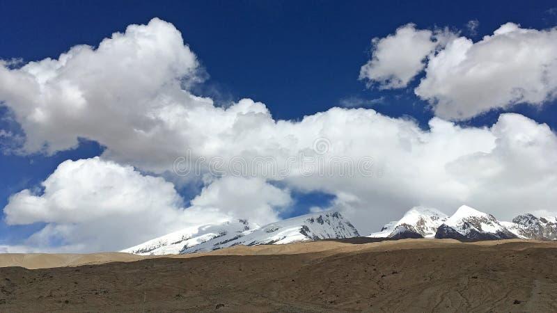 Pamirs krajobraz obraz royalty free
