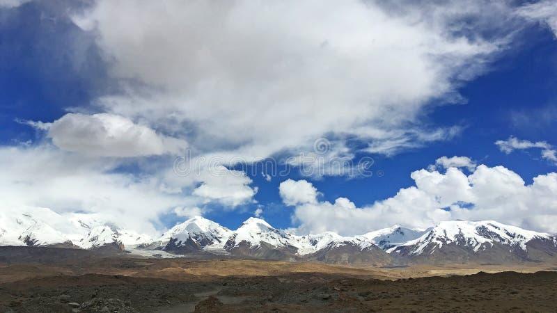 Pamirs landskap royaltyfria foton