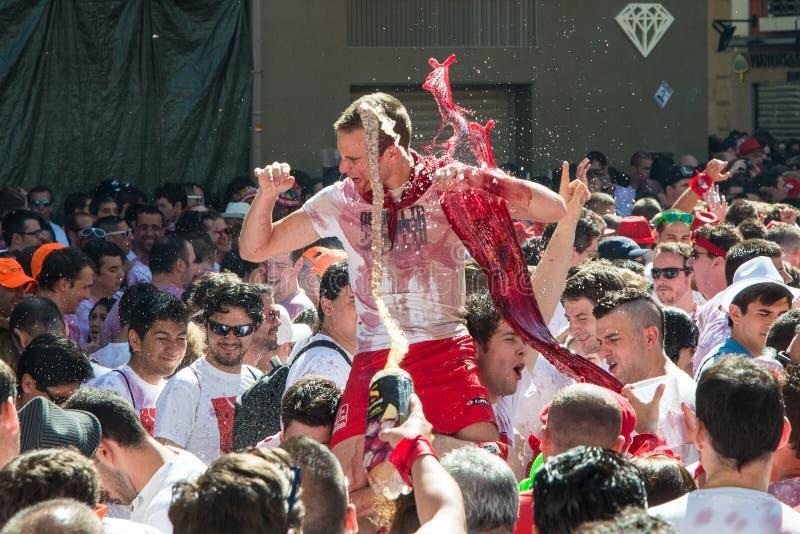 Pamplona San Fermin spring med tjurar royaltyfri bild