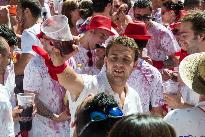 Pamplona San Fermin spring med tjurar arkivfoton