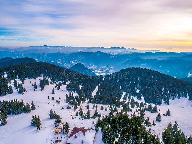 Pamporovo - widok od Snezhanka wierza, Bułgaria fotografia stock