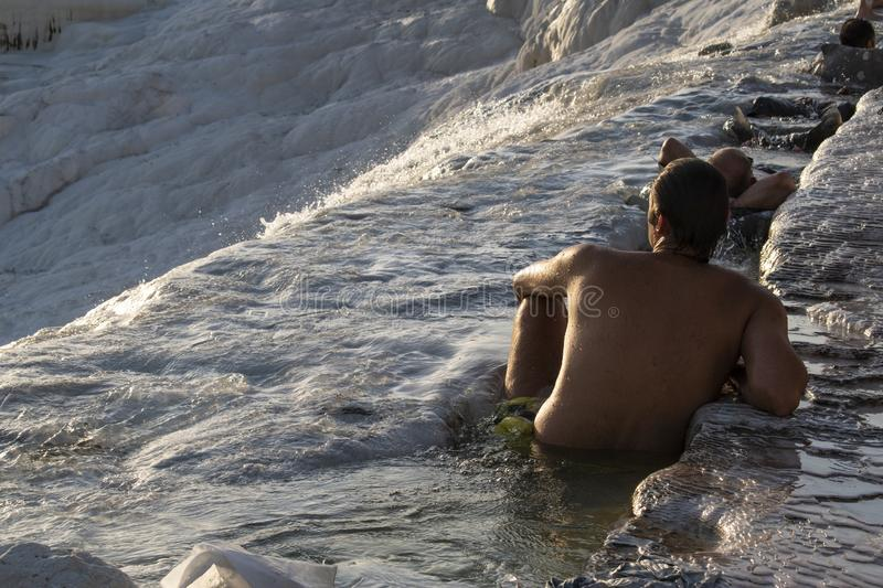 Pamukkale, Denizli, Turquia, terraços do travertino, castelo do algodão, branco, Hot Springs, térmico, termas, verde, natureza, m fotos de stock