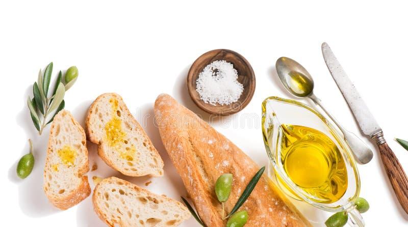 Pan blanco con aceite de oliva, sobre la visión foto de archivo