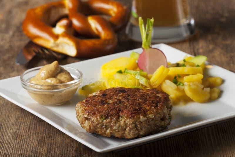 Pan con carne bávaro imagen de archivo libre de regalías