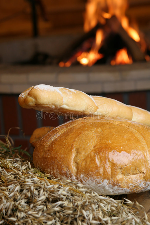 Pan con la chimenea imagenes de archivo