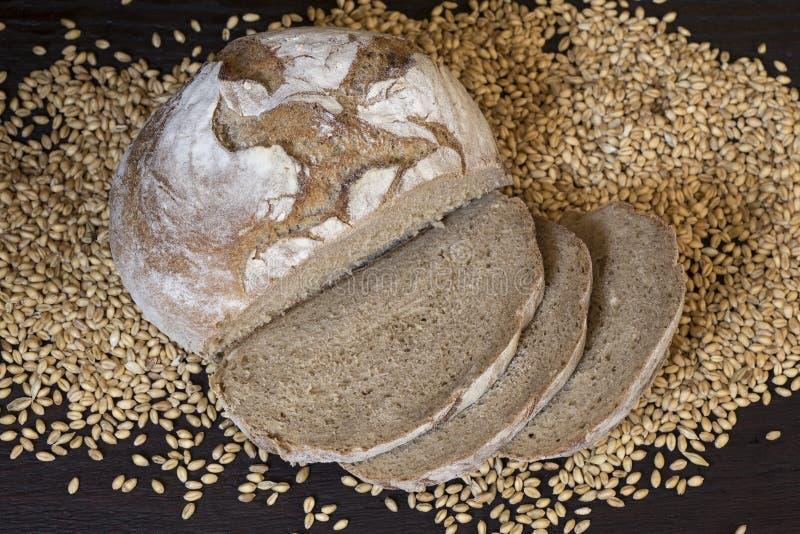 Pan de centeno hecho en casa imagen de archivo