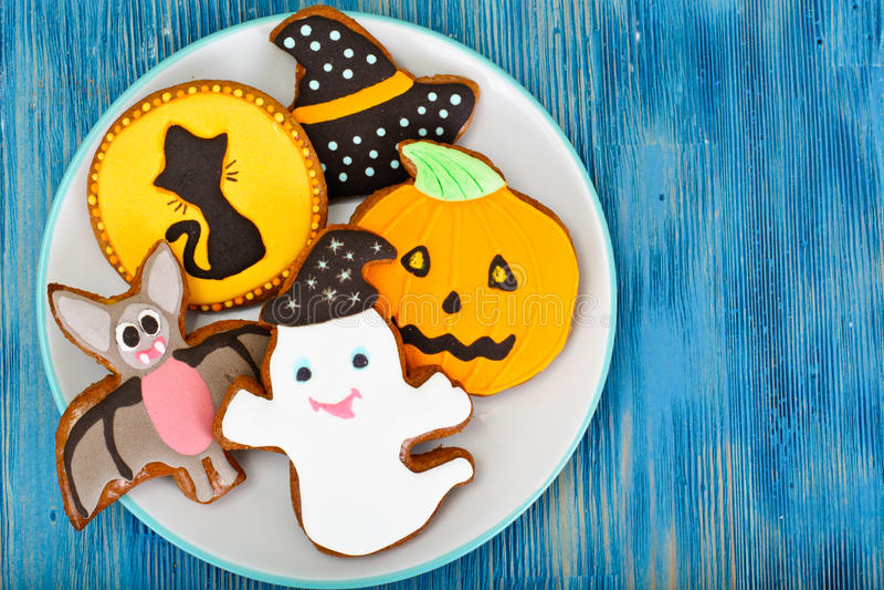 Pan de jengibre para Halloween Comida divertida del día de fiesta para los niños foto de archivo libre de regalías