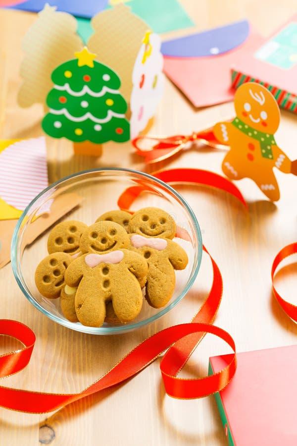 Pan de jengibre para la Navidad imagenes de archivo