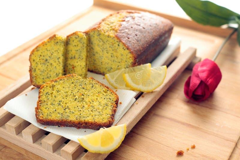 Pan del germen de amapola del limón fotos de archivo libres de regalías