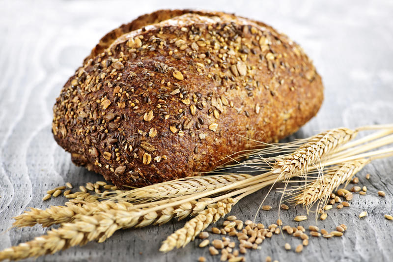 Pan del pan del multigrain fotos de archivo libres de regalías