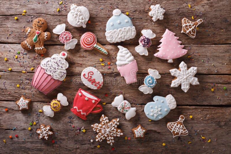 Pan di zenzero di Natale nei colori pastelli vista superiore orizzontale fotografia stock