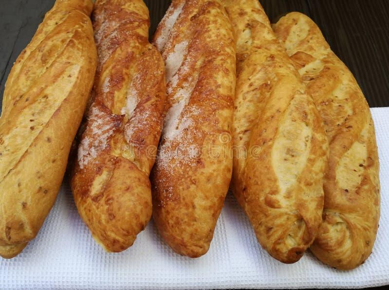 Pan dulce con las pasas foto de archivo
