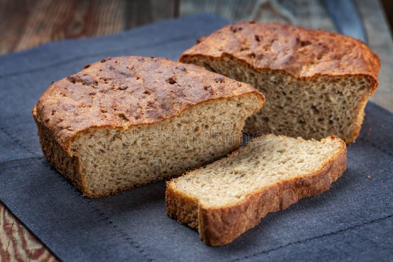 Pan entero del grano o del trigo integral imágenes de archivo libres de regalías