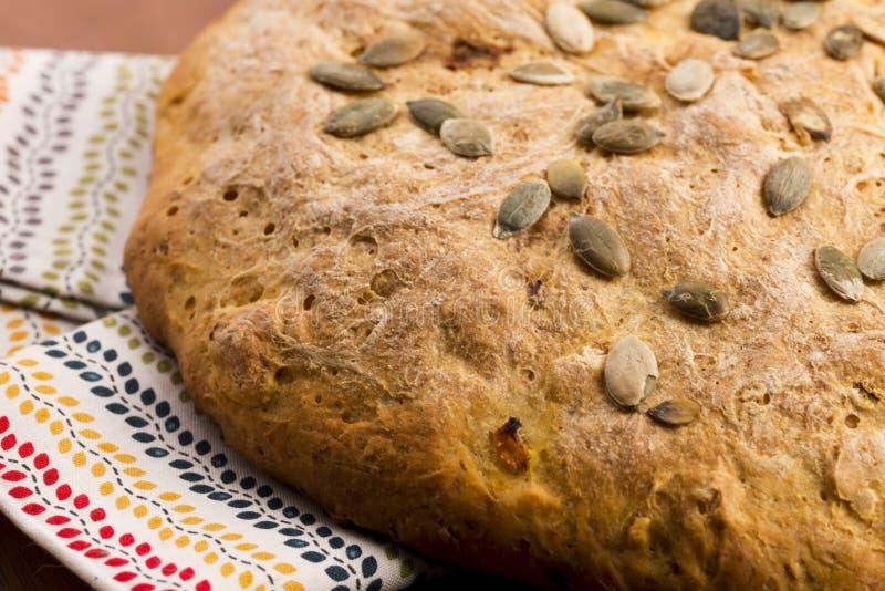 Pan hecho en casa de la calabaza fotos de archivo