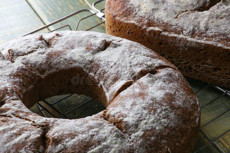Pan integral de Rye del trigo del estilo rural foto de archivo