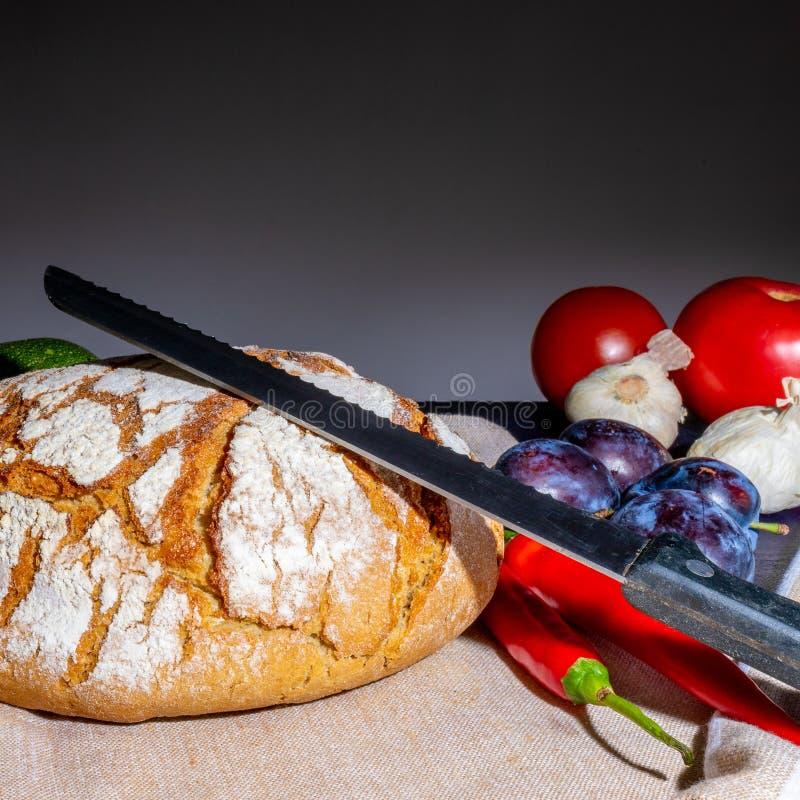 Pan polaco en una tabla del país foto de archivo libre de regalías