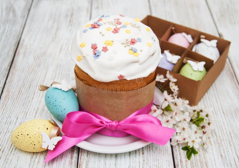 Pan y huevos de Pascua fotos de archivo libres de regalías