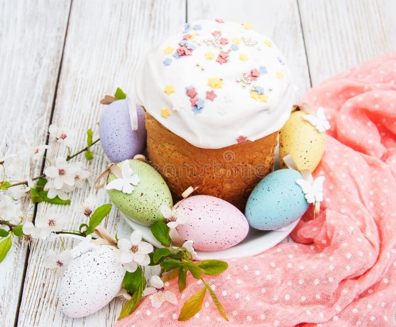 Pan y huevos de Pascua imágenes de archivo libres de regalías