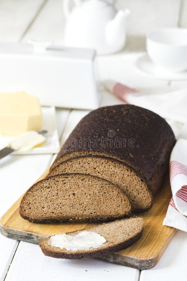 Pan y mantequilla de centeno de Riga fotos de archivo