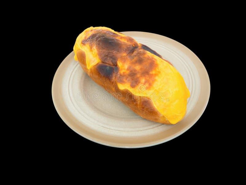 Pan y queso de ajo aislados en el fondo negro con la trayectoria de recortes fotografía de archivo
