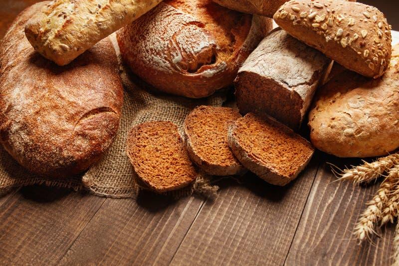 panadería Pan en el fondo de madera fotos de archivo libres de regalías