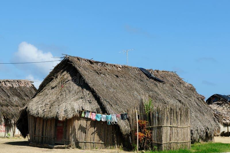 Panamá, casa tradicional de los residentes del archipiélago de San Blas fotografía de archivo libre de regalías