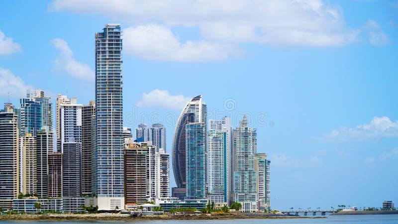 Panamá con i grattacieli fotografie stock
