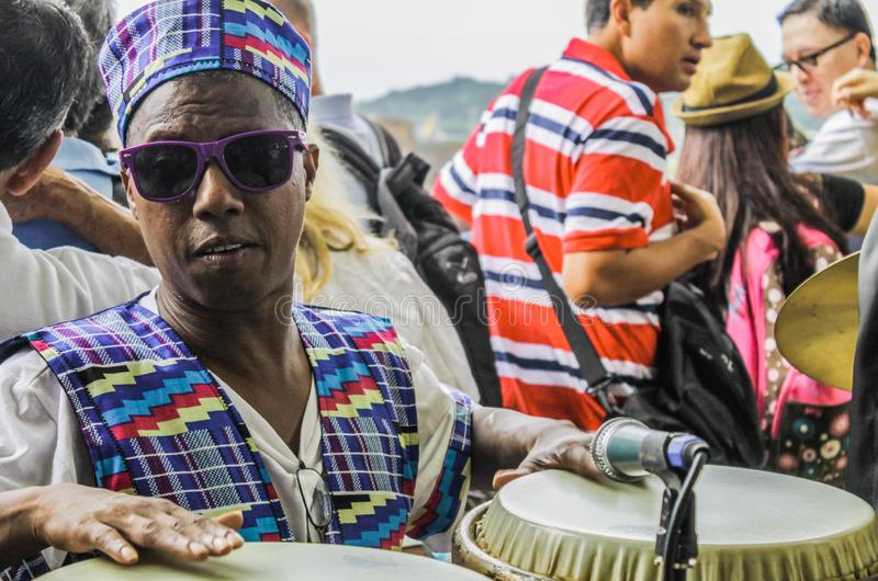 Panama City Panama, Augusti 15, 2015 Närbild av afrikansk amerikanmusikern arkivbilder