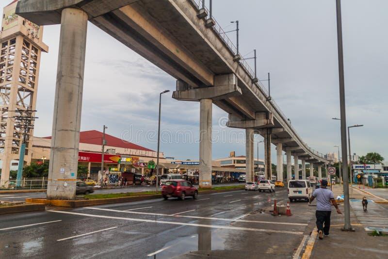 PANAMA CITY PANAMA - MAJ 29, 2016: Högstämt avsnitt av Panama Metr arkivfoto