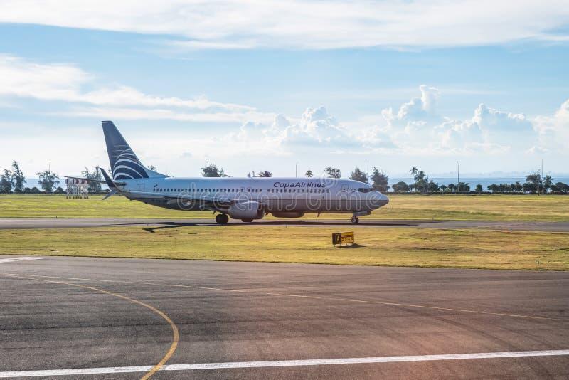 Panama 18 11 19 COPA Central American Airline samolot odrzutowy z lotniska gotowy do startu zdjęcie royalty free