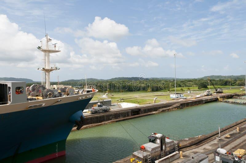 panama för lastgatunlås ship arkivbilder