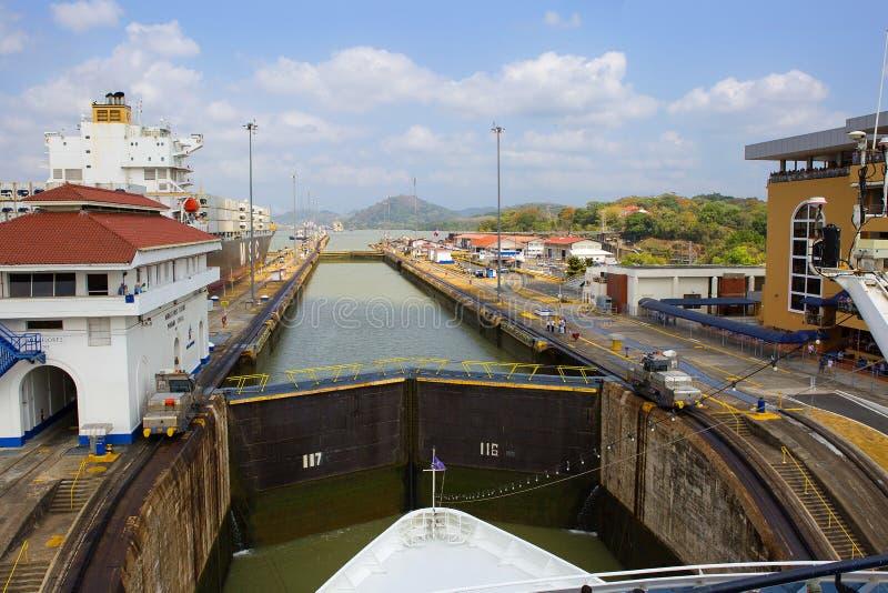 Panama kanal, Miraflores lås royaltyfria bilder