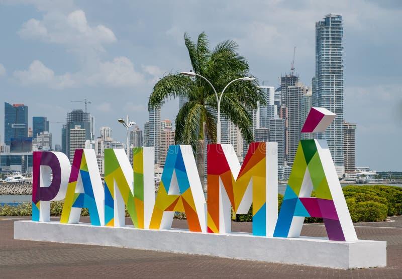 Panama tecken - berömd gränsmärke i Panama City royaltyfria foton