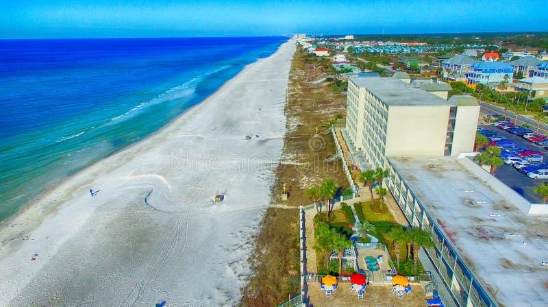 PANAMSKI miasto FL, LUTY, - 2016: Nabrzeżny widok z lotu ptaka na pogodnym fotografia stock
