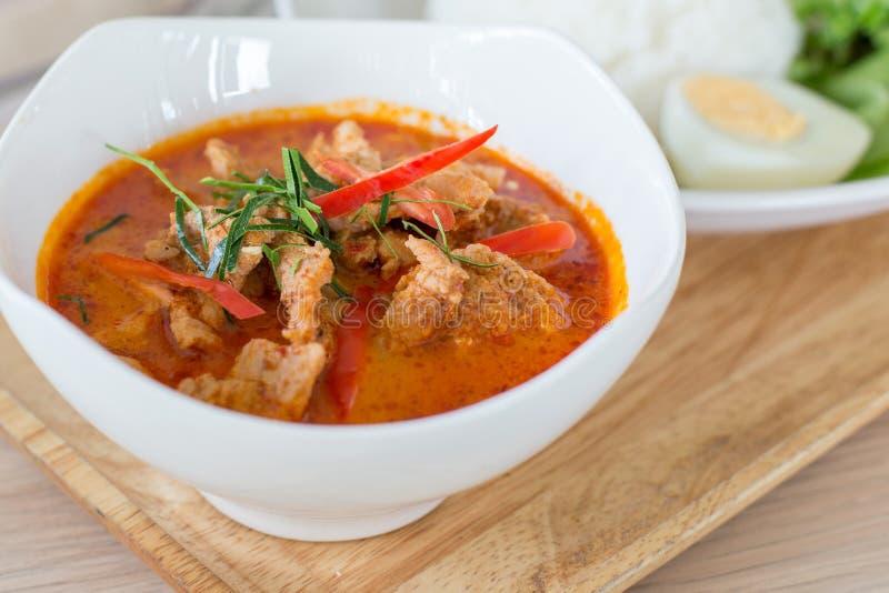 Δημοφιλής ταϊλανδική κουζίνα Panang και ρύζι στοκ εικόνες