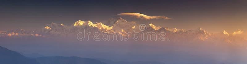 Panarama do pico da escala de Kanchenjunga fotografia de stock