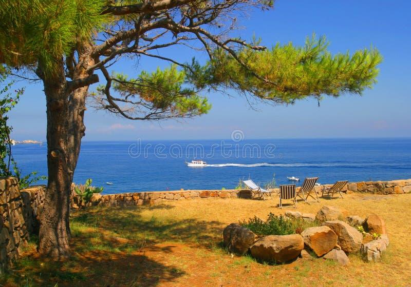 Panarea nadmorski Vista Stromboli obrazy stock