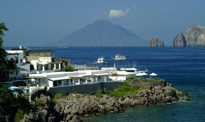 Panarea nadmorski Vista Stromboli zdjęcia stock