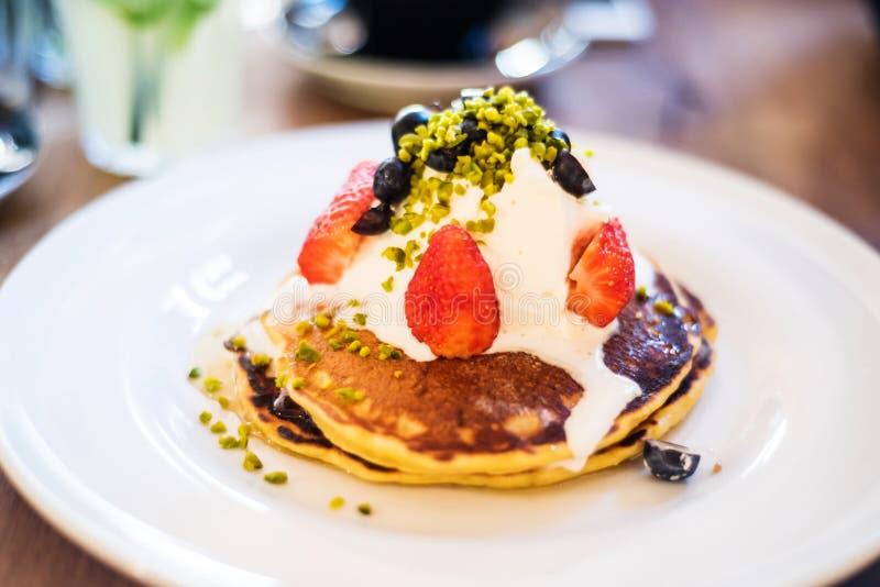 Pancake americani con la ricotta immagini stock libere da diritti