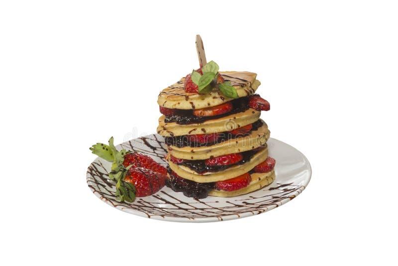 Pancake con i mirtilli e le fragole immagini stock libere da diritti