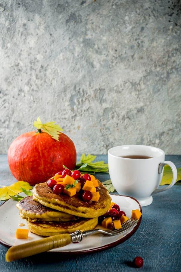 Pancake della zucca di autunno fotografia stock libera da diritti