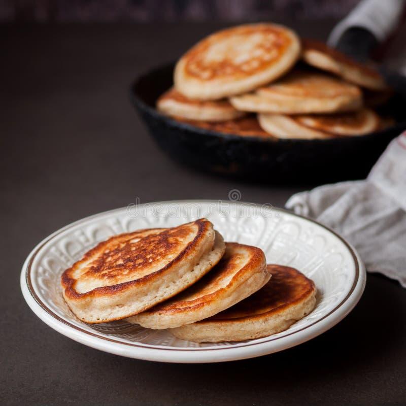 Pancake integrali lanuginosi immagine stock libera da diritti