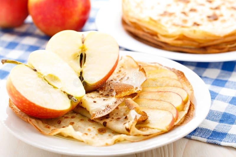 Pancake su un piatto fotografia stock